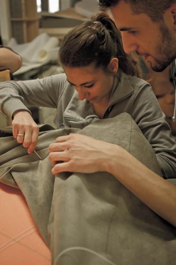 Le professeur qui apprend du jeune tapissier: 5ème session