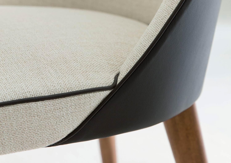 chaise moderne Judy en tissu et cuir berto salotti