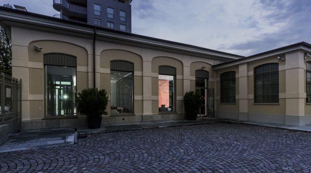 Showroom Berto Salotti Torino con parcheggio interno