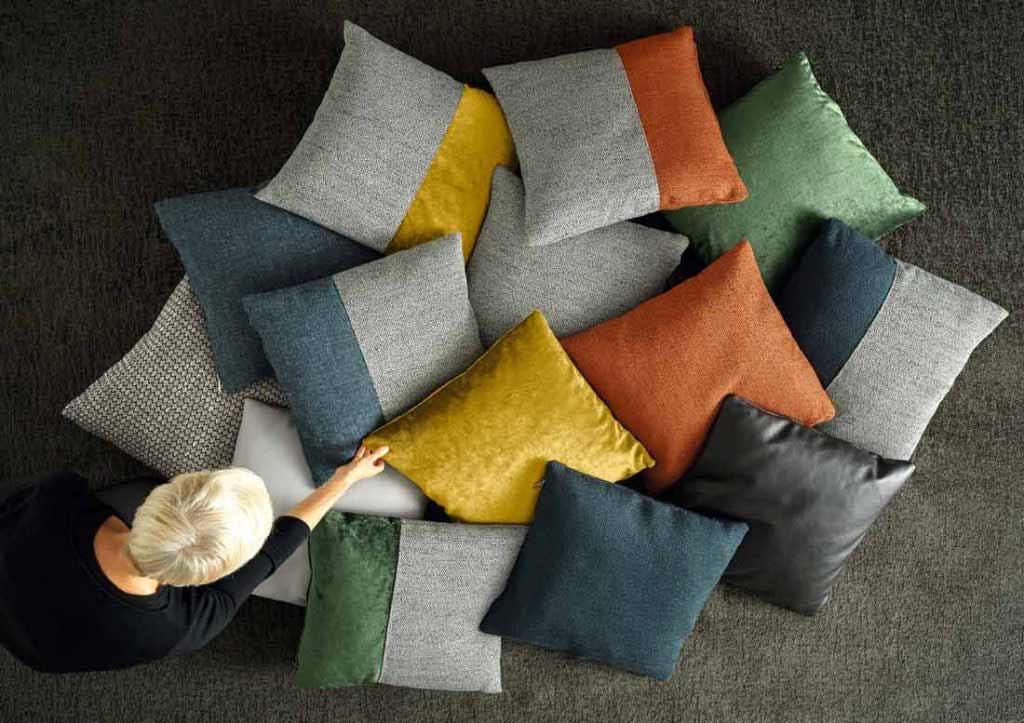 compléments d'ameublement berto: collection de petits coussins de design.
