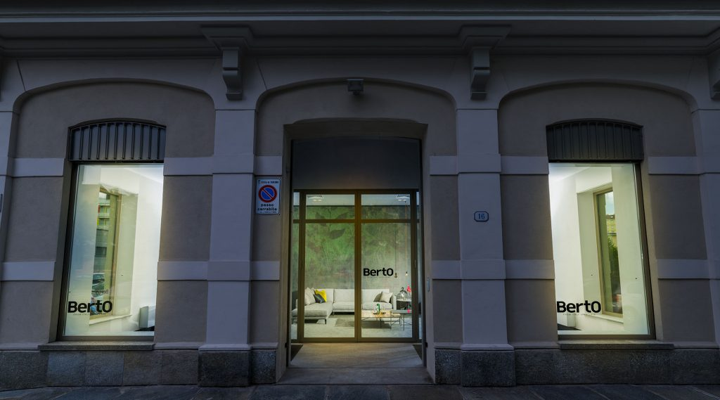 Tourin - La vitrine showroom BertO Salotti