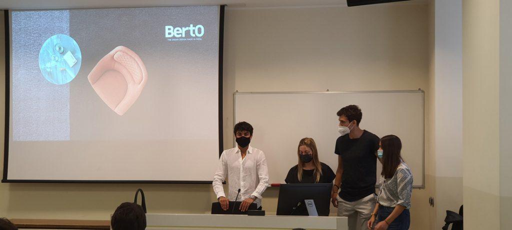 Les étudiants de l'Università Cattolica de Milan pour l'Hackathon BertO